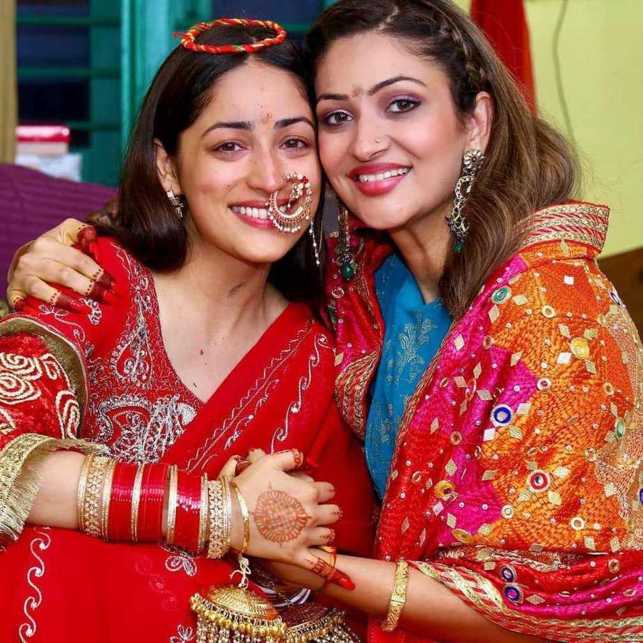 Yami Gautam in red saree at her pre wedding puja-4