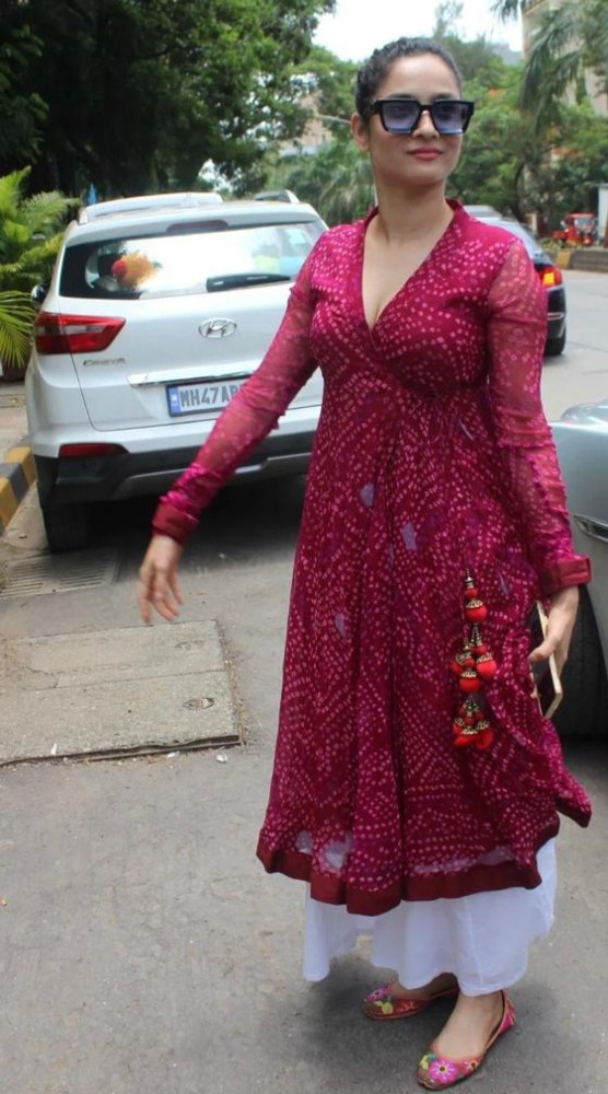 ankita lokhande in anarkali shaped kurta dress