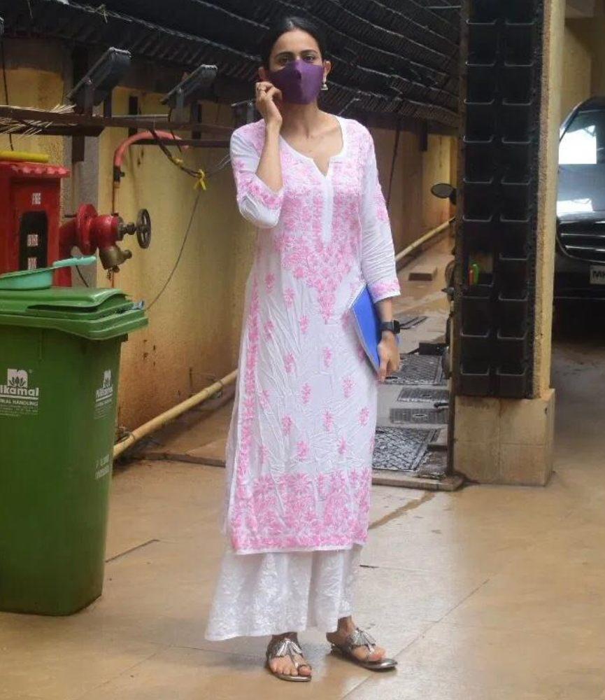 rakul preet in pink white ethnic attire