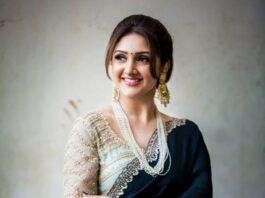 sridevi vijaykumar in a navy blue saree by Preesha for comedy stars-3