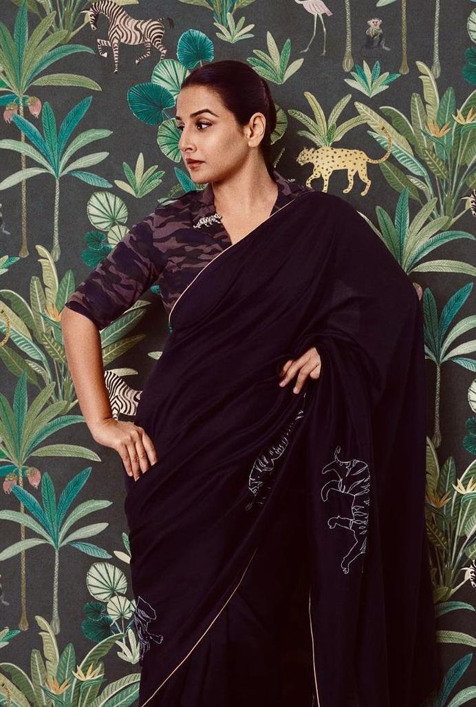 vidya balan in a black saree by Rouka for Sherni promotions!-3