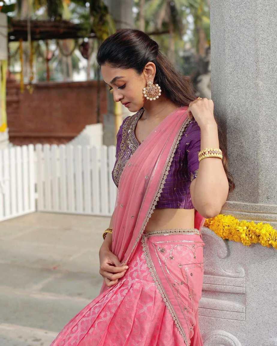 Aishwarya Arjun in pink half saree by Bhargavi kunnam for her family temple opening-2