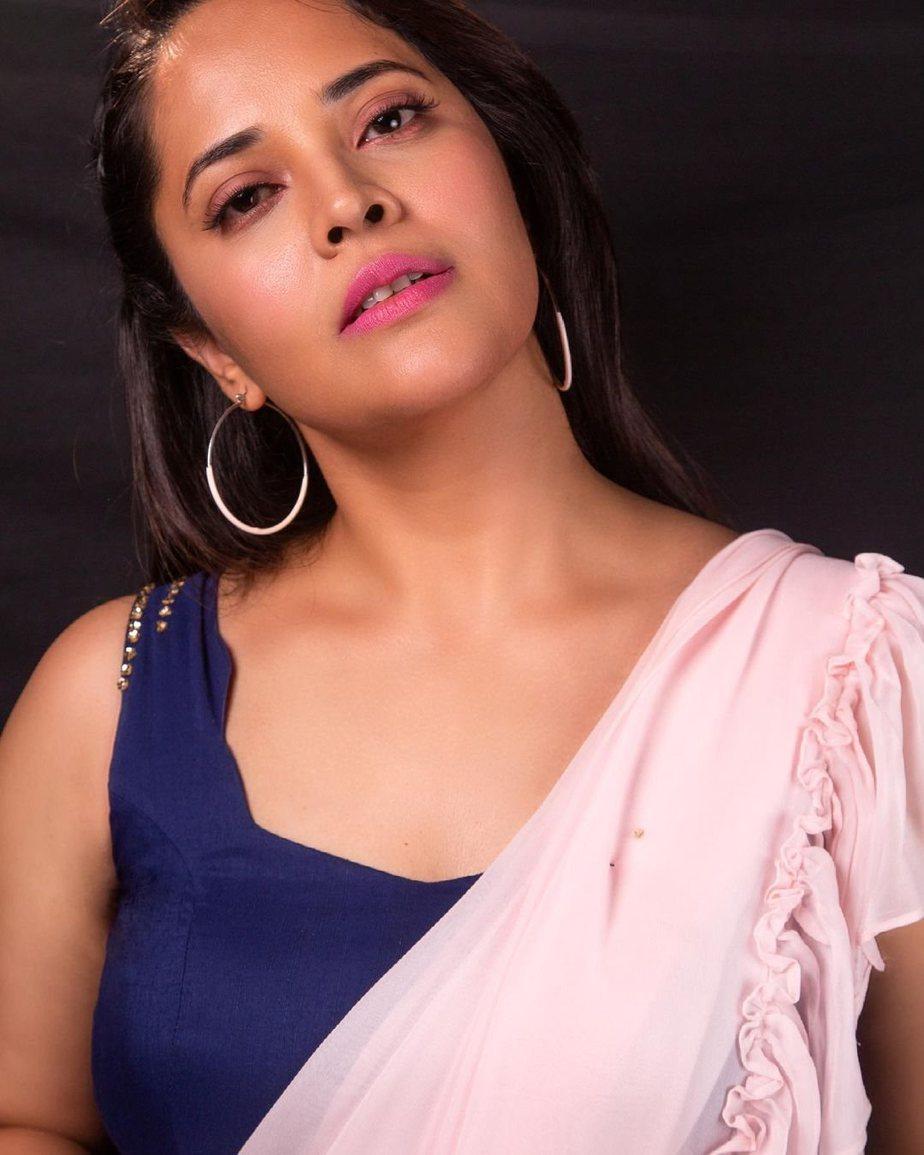 Anasuya Bharadwaj in peach saree by Vasavi couture for jabardasth-4
