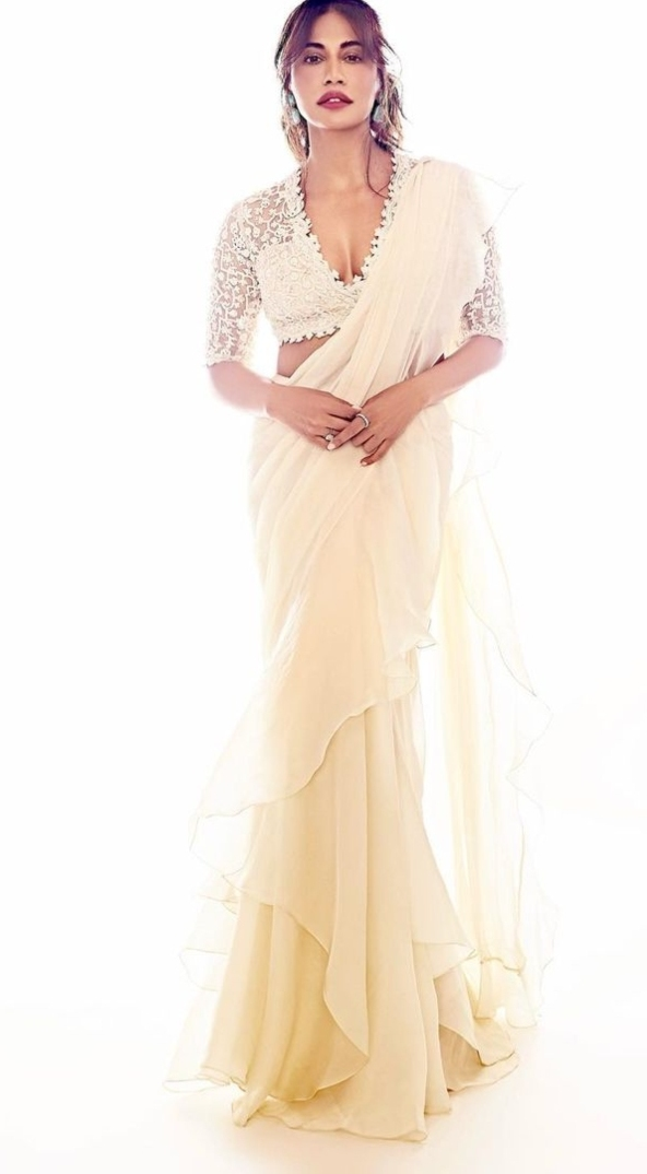 Chitrangda in off white Ridhi mehra pre draped saree for an event-1.2