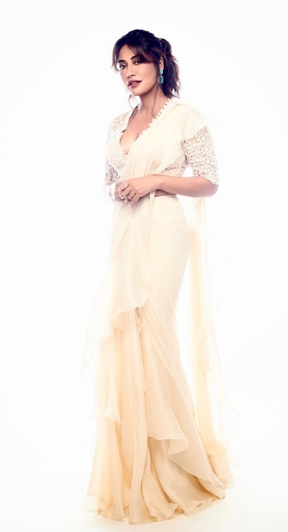 Chitrangda in off white Ridhi mehra pre draped saree for an event-1.3