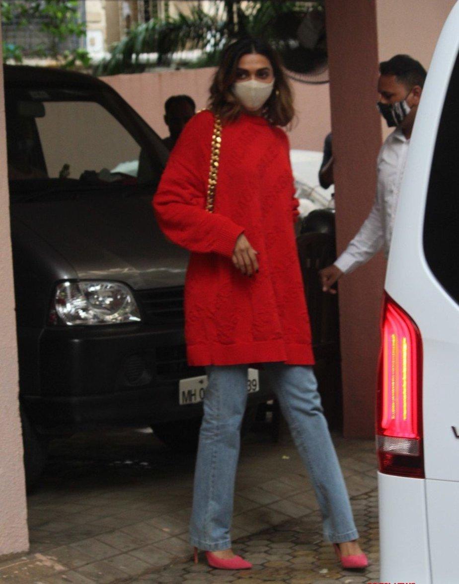 Deepika Padukone in red balenciaga sweat shirt outside bhansali's office-1