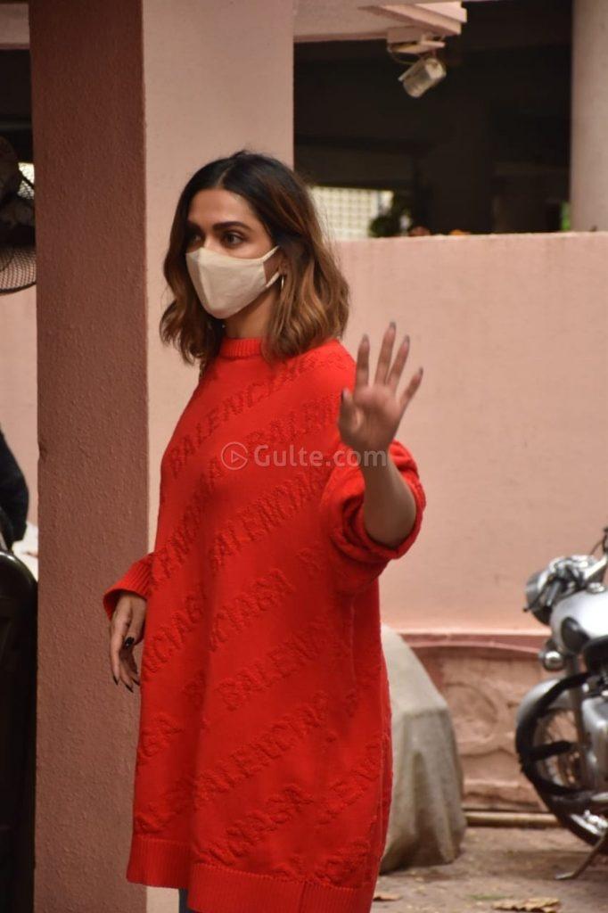 Deepika Padukone in red balenciaga sweat shirt outside bhansali's office-3