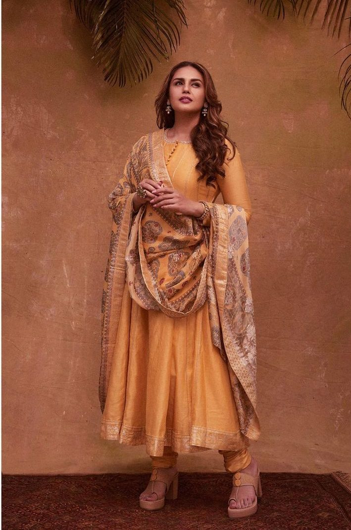Huma qureshi in cadmium yellow anarkali by saundh for eid-2