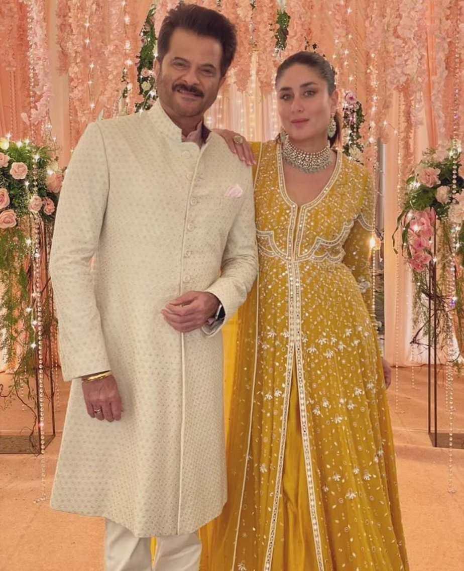 Kareena Kapoor khan in yellow ridhi suri anarkali for an ad shoot-2