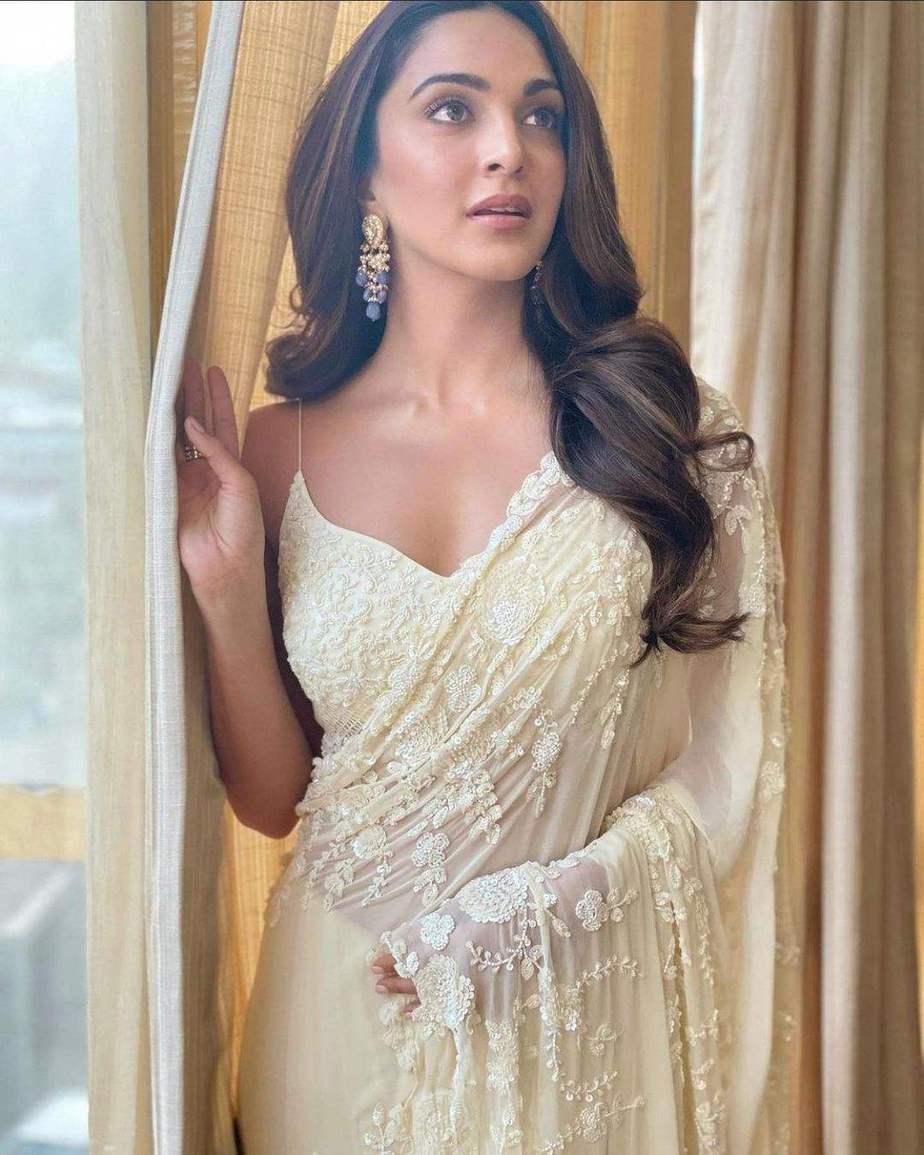 Kiara Advani in ivory saree by Premya for shershaah trailer launch-2