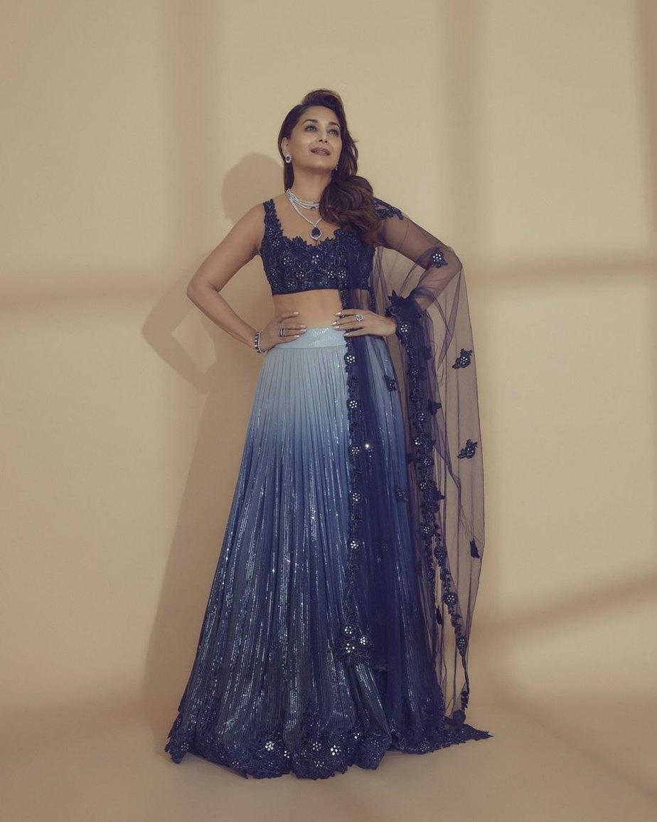 Madhuri dixit in navy blue lehnga by sawan gandhi for dance deewane