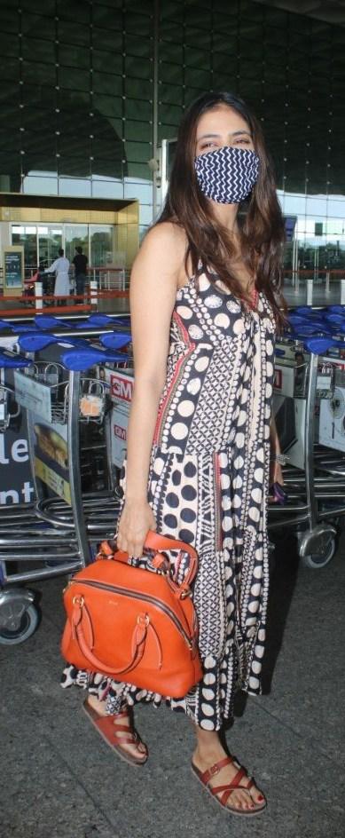 Malavika Mohanan at mumbai airport in shopverb dress-1