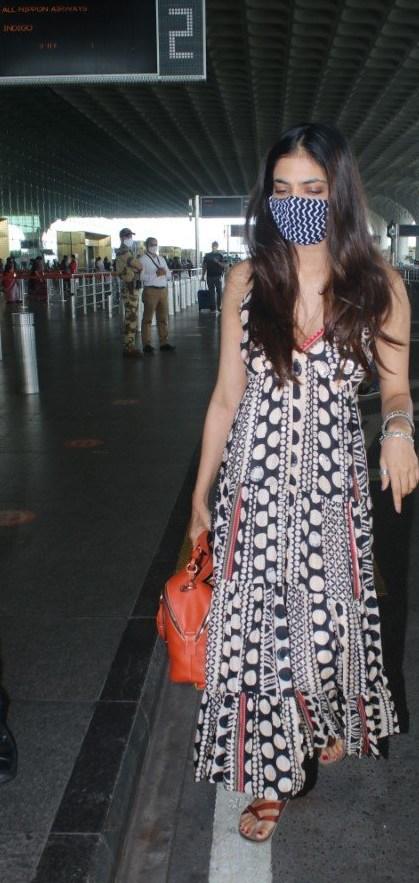 Malavika Mohanan at mumbai airport in shopverb dress-3