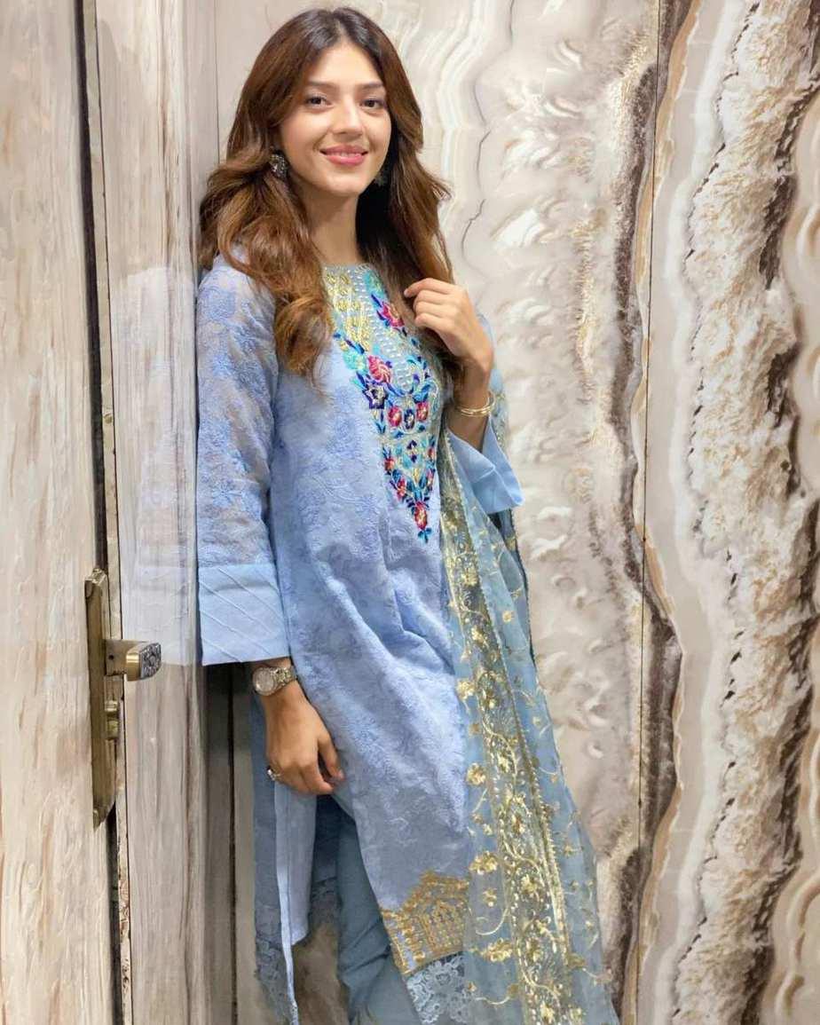 Mehreen Pirzada in Rj pret sky blue kurta set-1