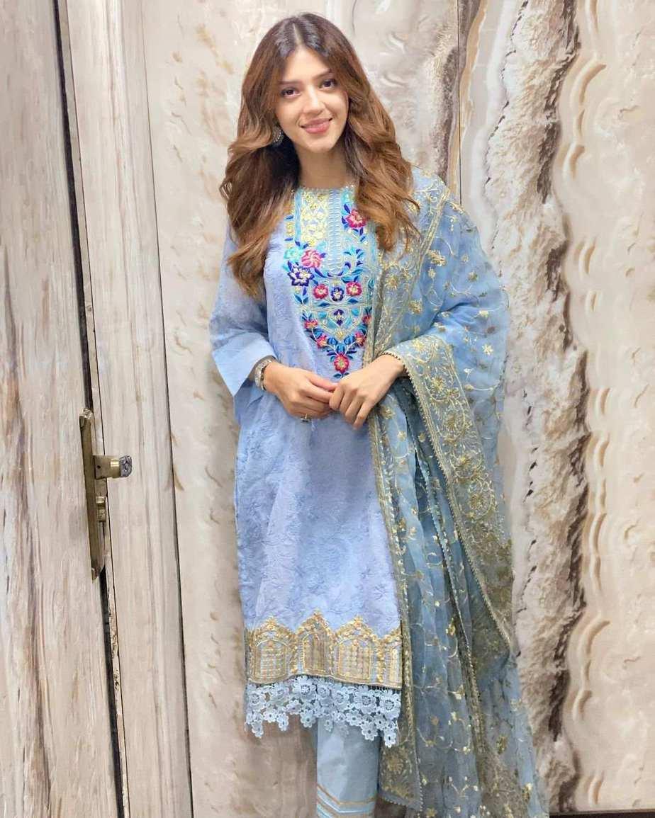 Mehreen Pirzada in Rj pret sky blue kurta set-2