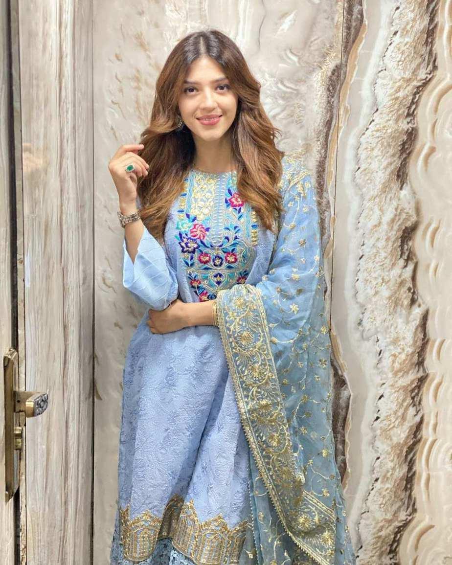 Mehreen Pirzada in Rj pret sky blue kurta set