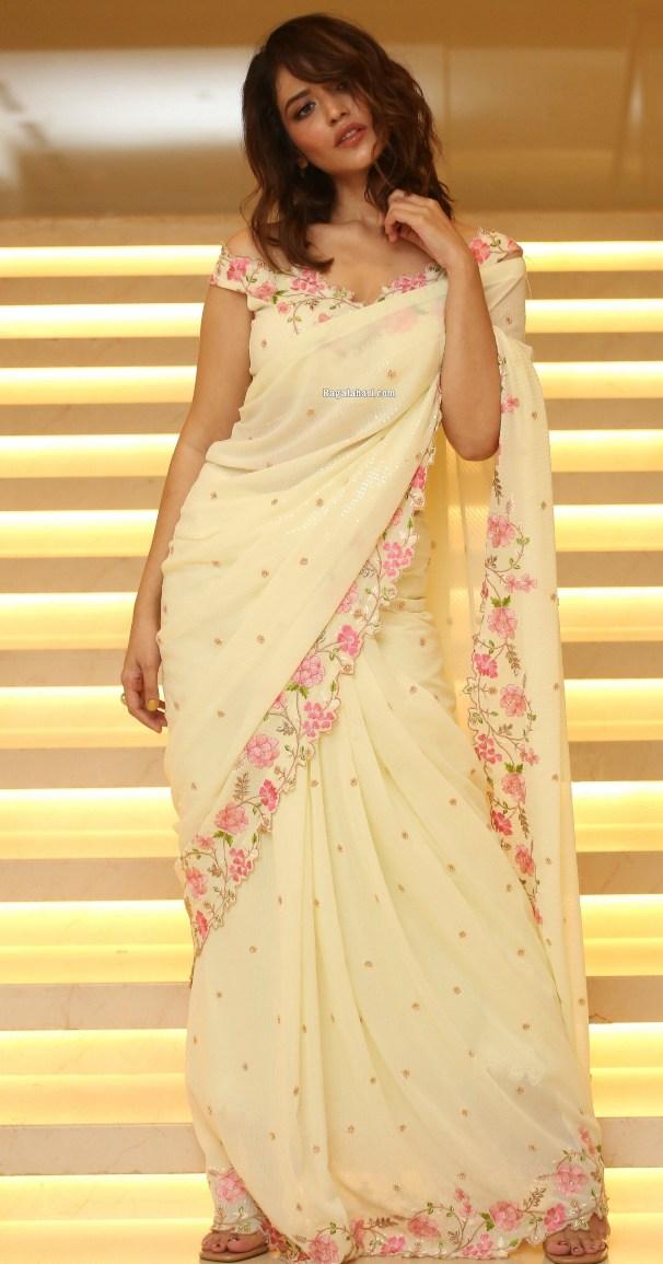 Priyanka Jawalkar in a cream saree at Thimmarusu pre-release event-1