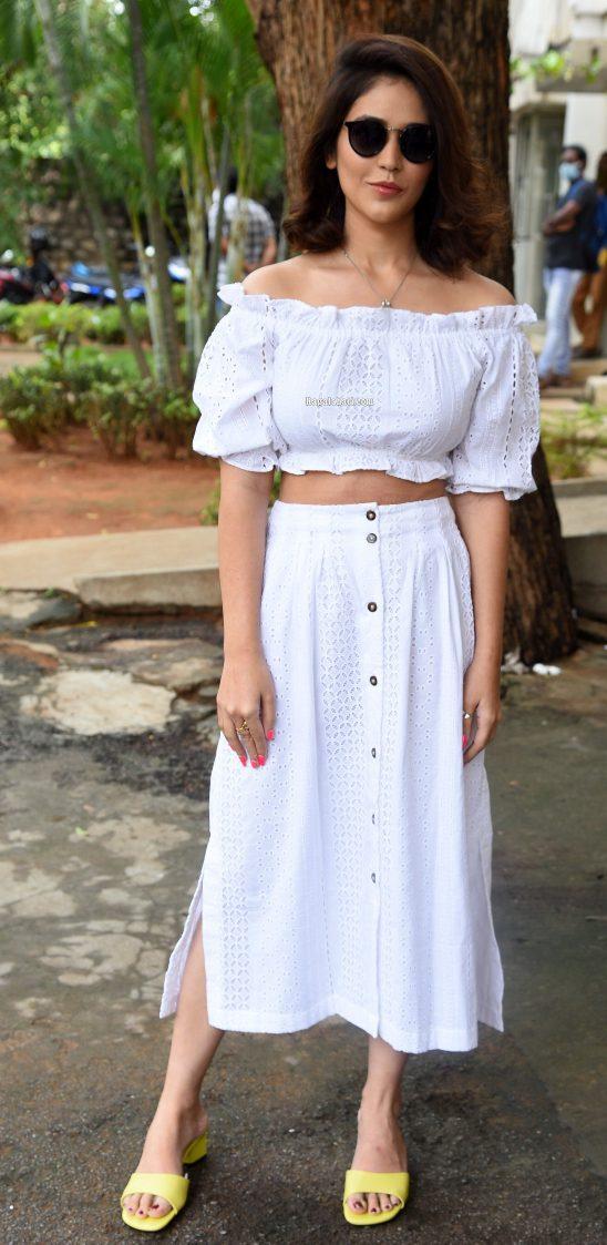 Priyanka jawalkkar in white skirt and crop top at Thimmarusu press meet-3