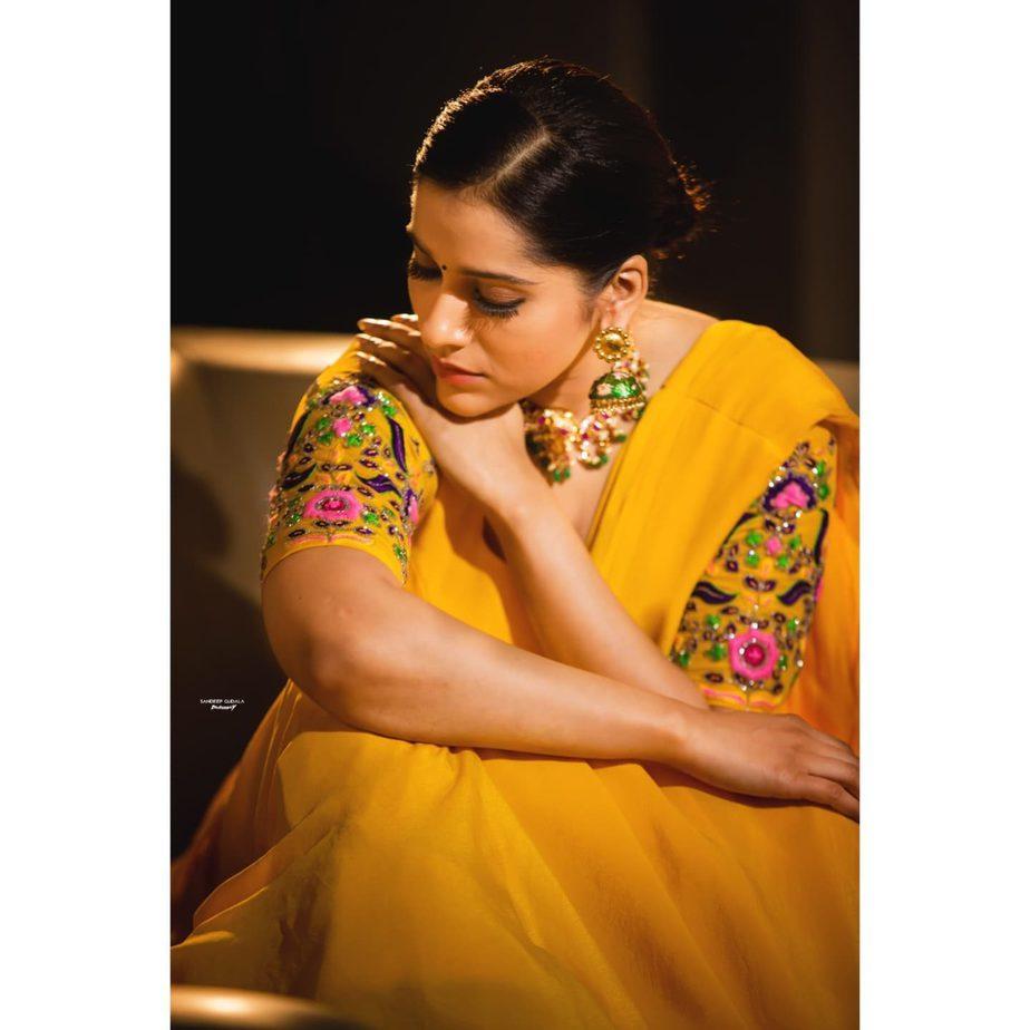 Rashmi Gautam in yellow lehenga by starry dreams for aashadamlo athakodallo-1