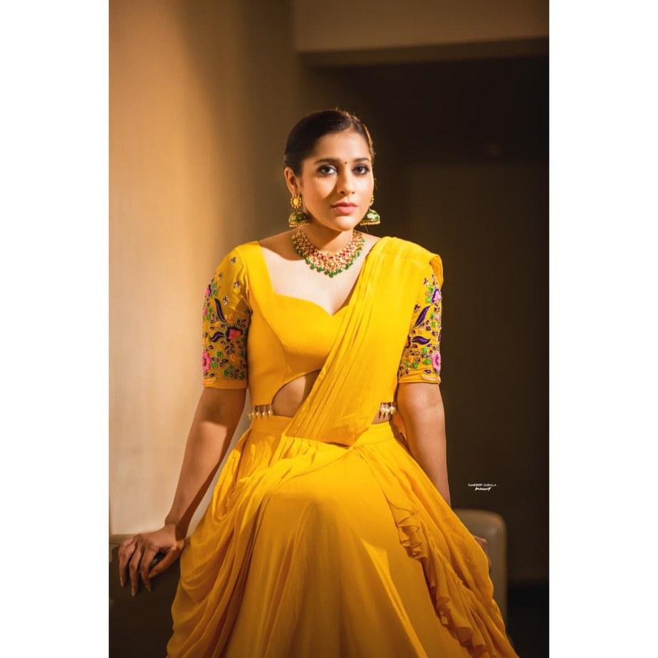 Rashmi Gautam in yellow lehenga by starry dreams for aashadamlo athakodallo-2