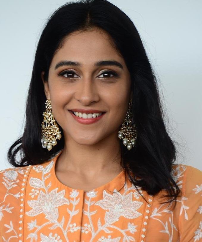 Regina cassandra in mishru dhoti set for anya tutorial press meet-4