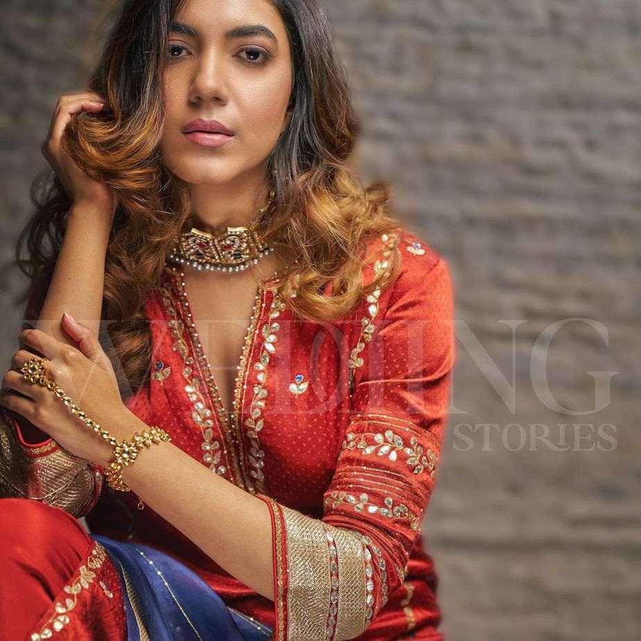 Ritu varma in devnaagri marron kurta set for wedding stories magazine-2
