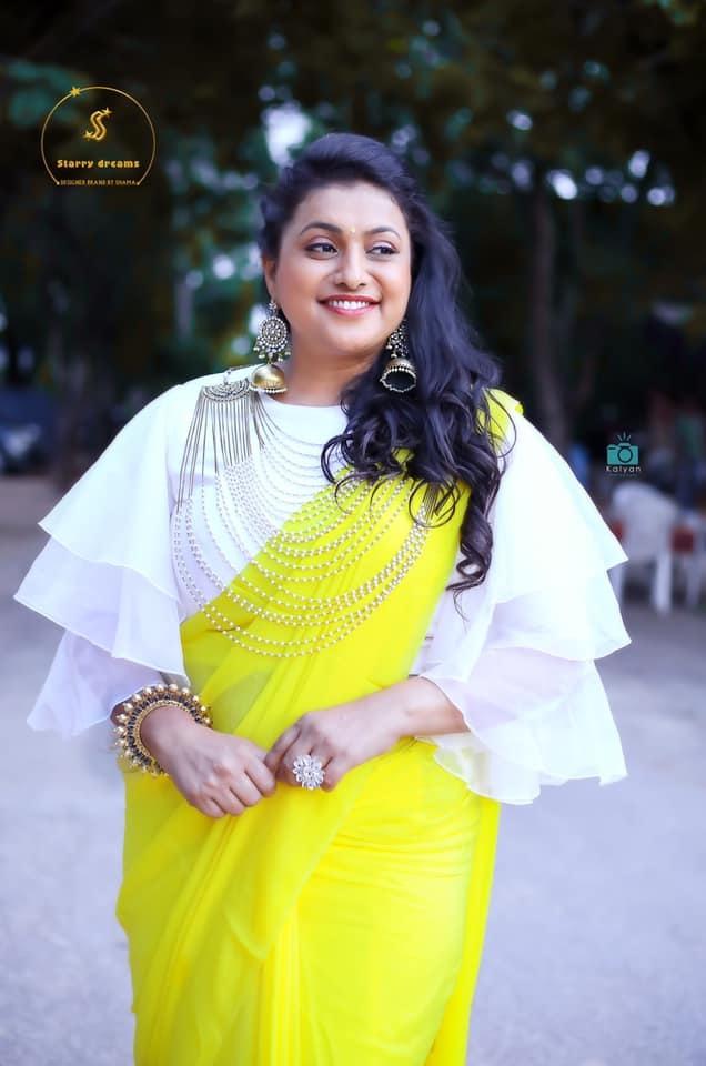 Roja Selvamani in starry dreams neon green saree for Jabardasth-3