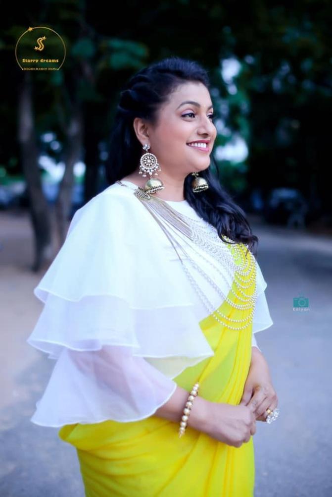 Roja Selvamani in starry dreams neon green saree for Jabardasth