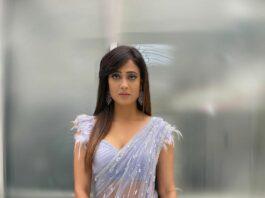 Shweta Tiwari in powder blue saree by pooja pejoria for rahul Vaidya's wedding-1