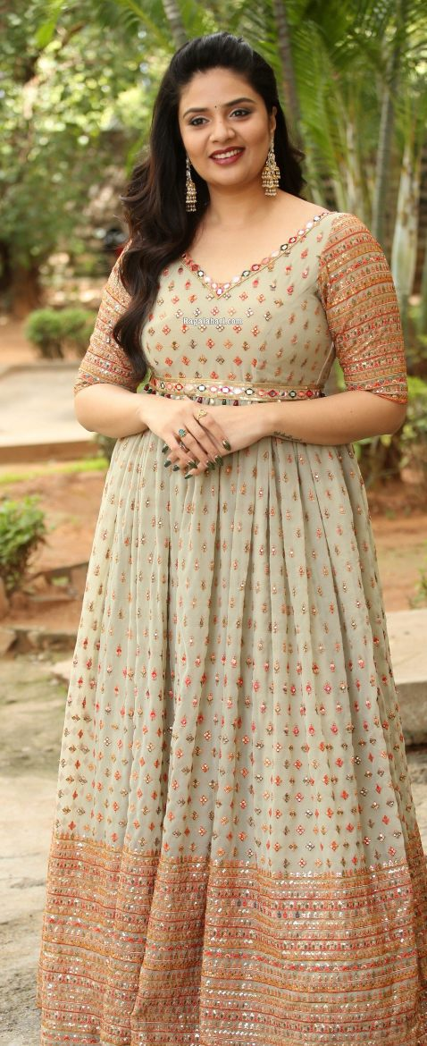Sreemukhi in mint green anarkali at crazy uncles movie launch-1