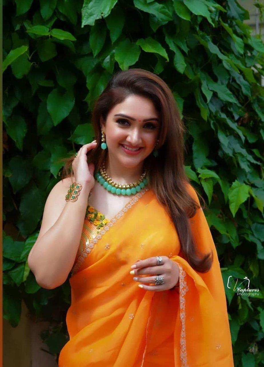 Sridevi Vijaykumar in a orange saree by brand mandir for Comedy stars-3