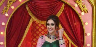 Sridevi vijaykumar in Feathers btq floral jacket with denim for comedy stars-3