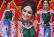 Sridevi vijaykumar in Feathers btq floral jacket with denim for comedy stars-featured