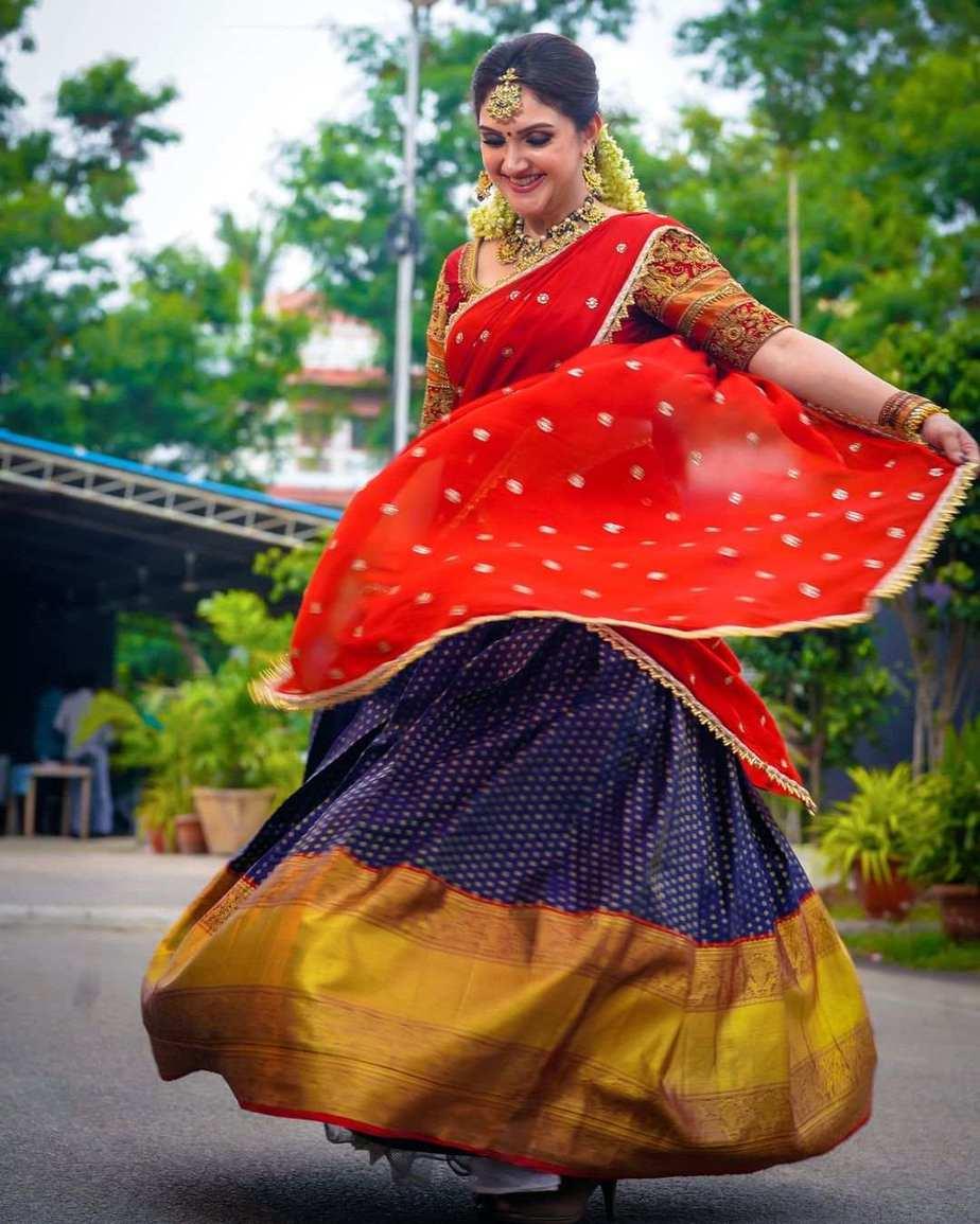 Sridevi vijaykumar in kowshiki couture half saree for comedy stars-1