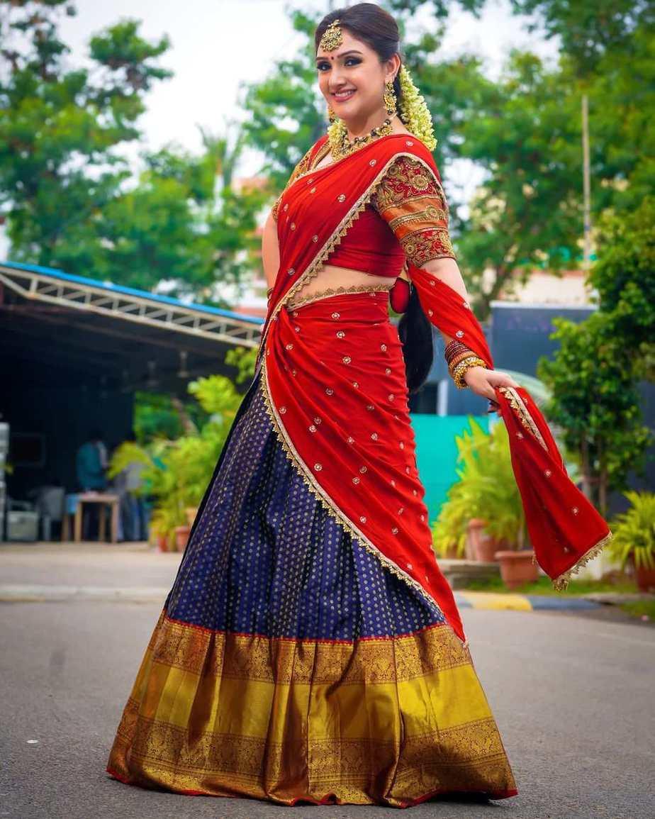 Sridevi vijaykumar in kowshiki couture half saree for comedy stars