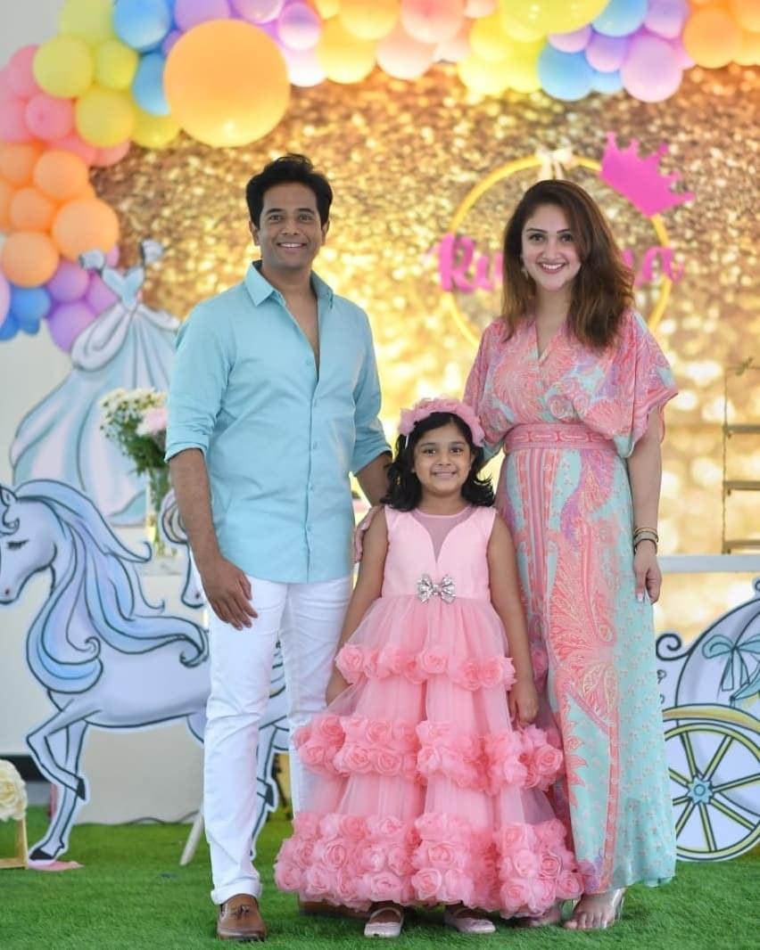 Sridevi vijaykumar's daughter in pink gown by Samta and shruti for her birthday-2