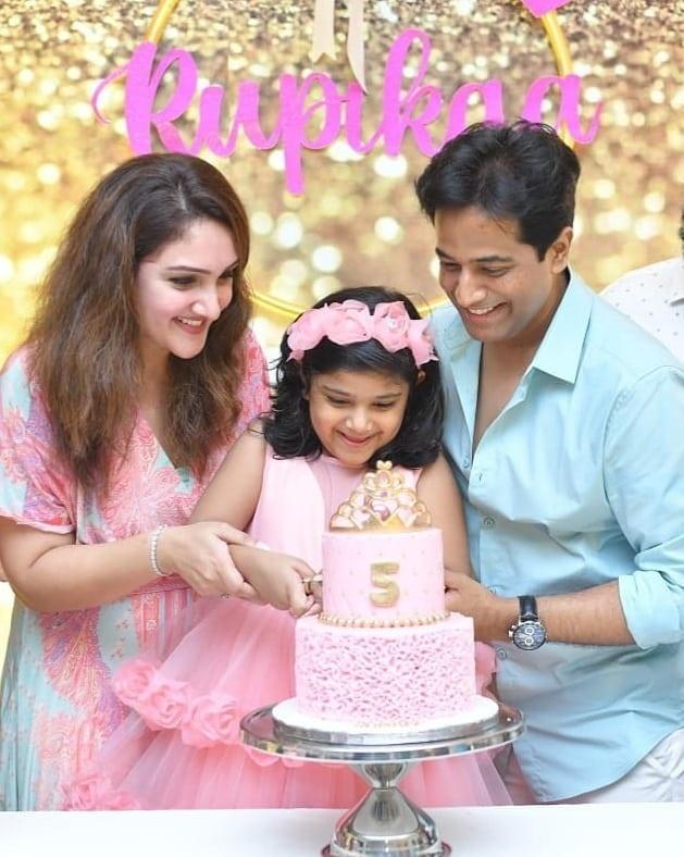 Sridevi vijaykumar's daughter in pink gown by Samta and shruti for her birthday-3