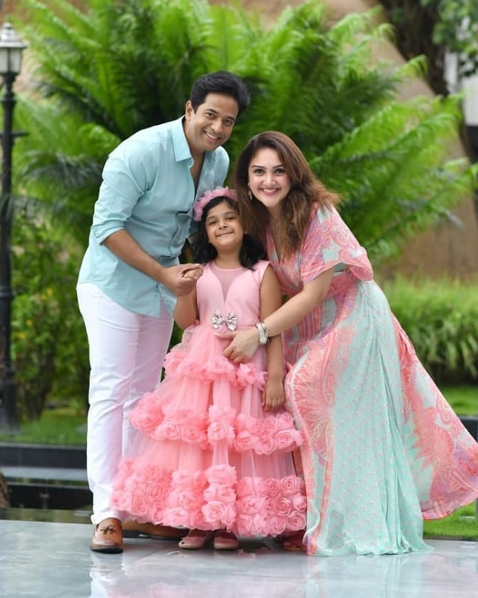 Sridevi vijaykumar's daughter in pink gown by Samta and shruti for her birthday-4