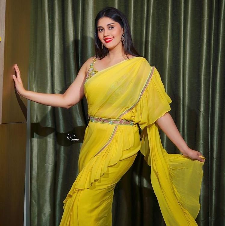 Surbhi Puranik in yellow saree by Priya Machineni-4