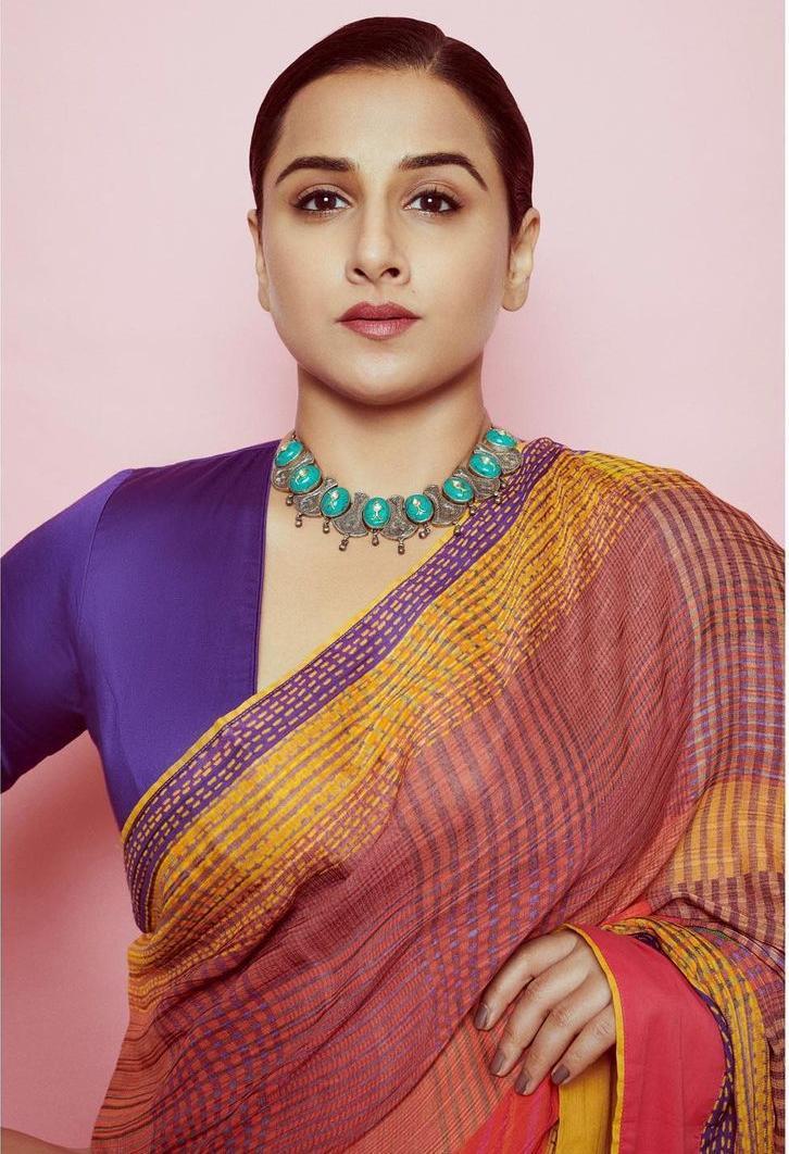 Vidya Balan in a Ritu Kumar saree for Sherni promotions-3