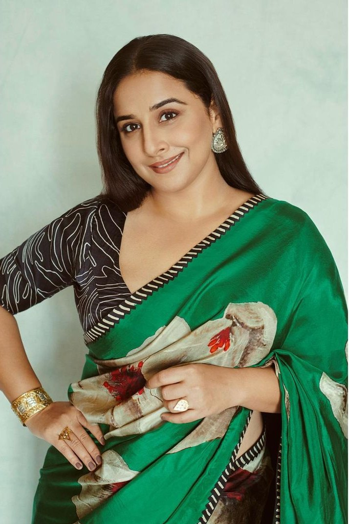 Vidya Balan in a floral green saree by Yam for Sherni promotions-2