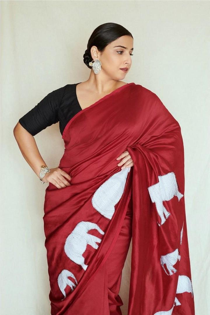 Vidya Balan in a red saree by Rouka for Sherni -2