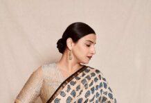 Vidya balan in a ivory chhapa saree for sherni promotions-1