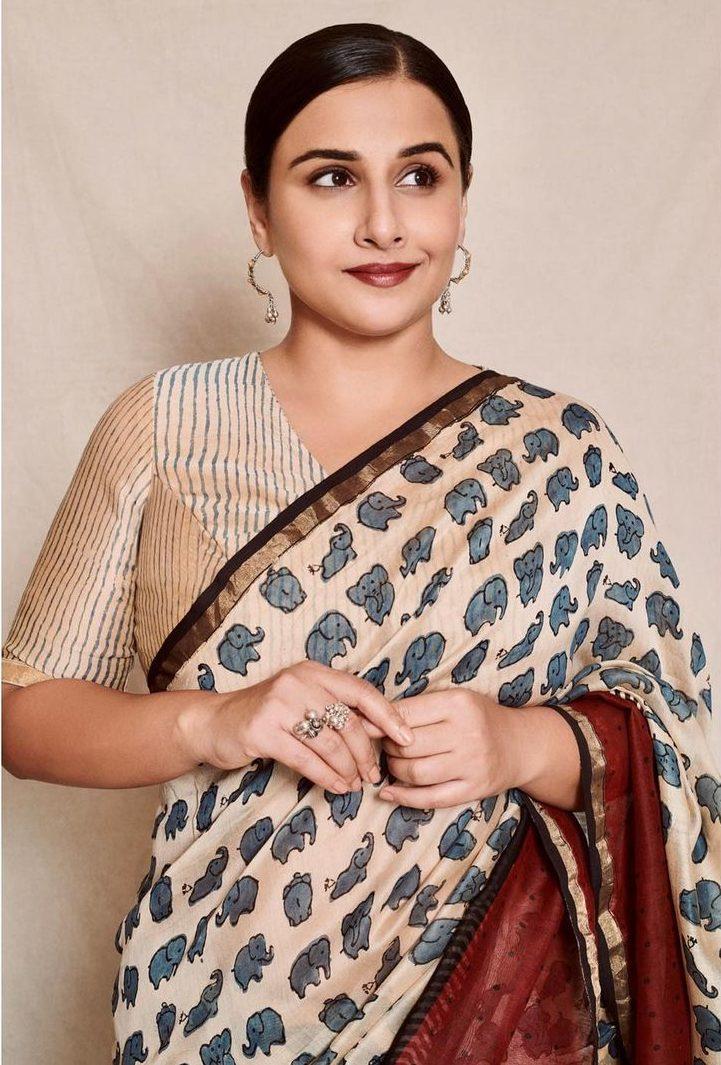 Vidya balan in a ivory chhapa saree for sherni promotions-3