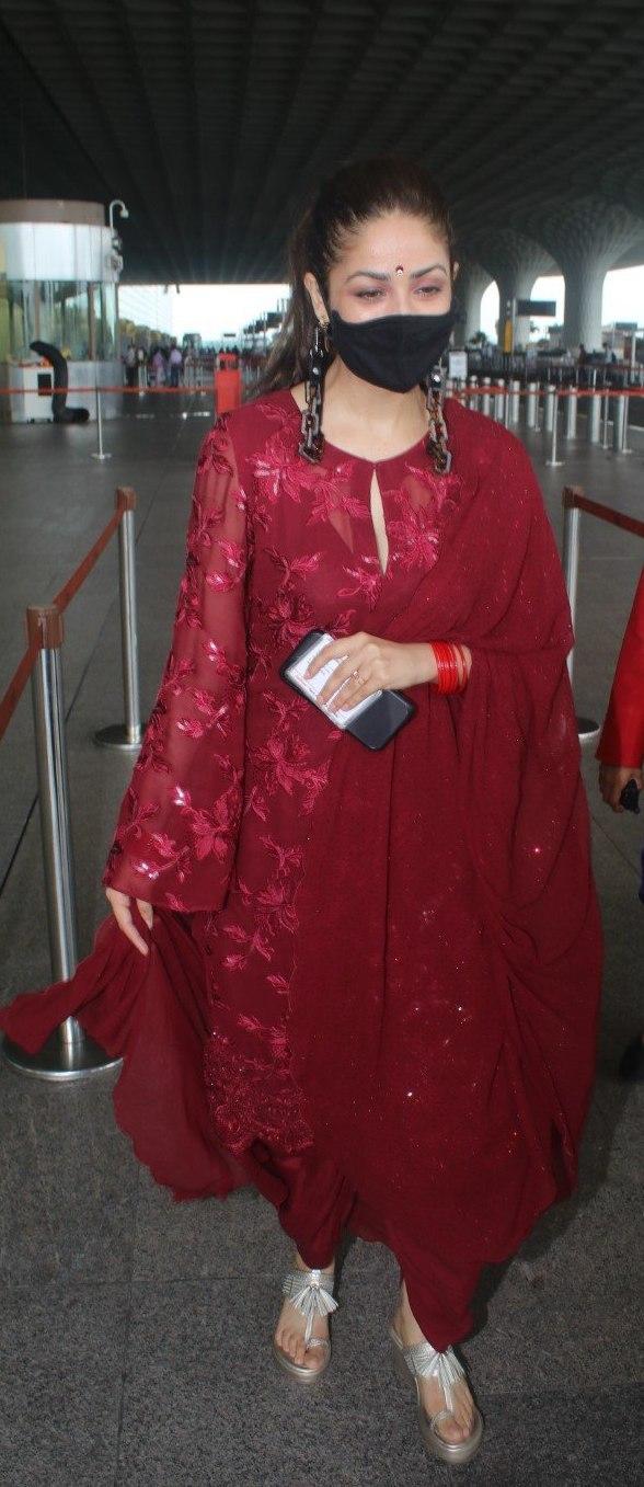 Yami Gautam in a red kurta set at the airport-1