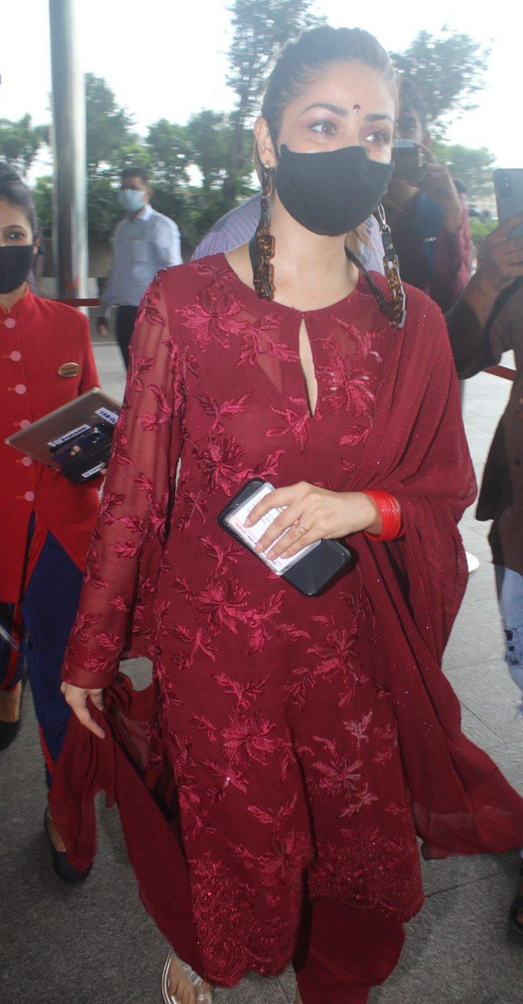 Yami Gautam in a red kurta set at the airport-4