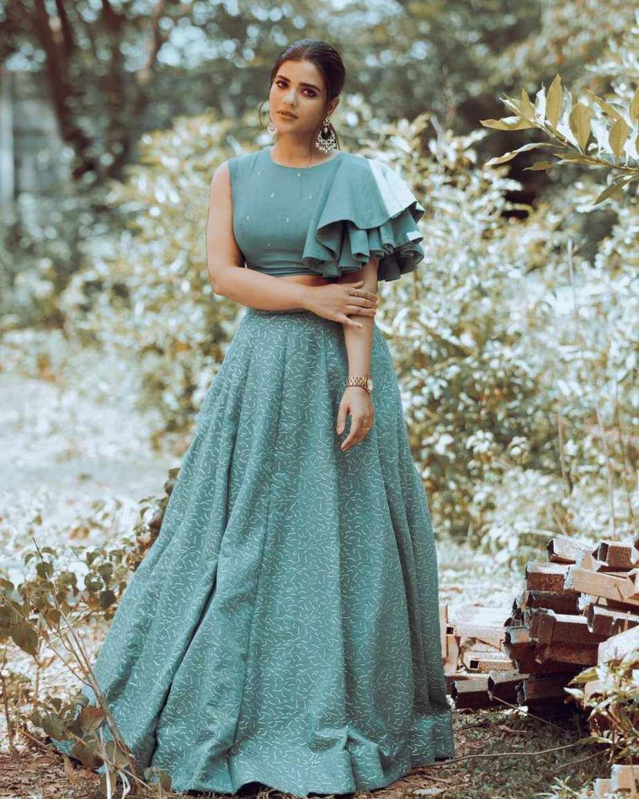 Aishwarya rajesh in aqua green lehnga set by malar vikram-4