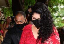 Anshula Kapoor in a red lehenga at rhea kapoor's wedding-1