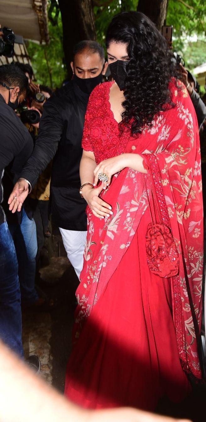 Anshula Kapoor in a red lehenga at rhea kapoor's wedding-2