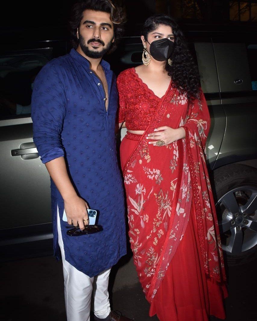 Anshula Kapoor in a red lehenga at rhea kapoor's wedding-4